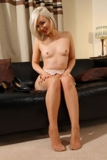 Sweet Looking Faye X Flirty And Waving Her Irresistable Naked Body - Picture 13