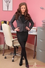 Sesnsational Secretary Daisy Watts In Black Layered Nylons - Picture 1