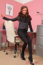 Sesnsational Secretary Daisy Watts In Black Layered Nylons - Picture 2