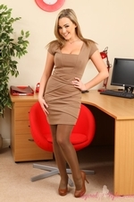 Jodie Gasson Struts Her Stuff In Brown And Tan Layered Nylons - Picture 1