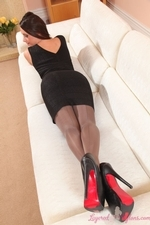 Leggy Sexy Siobhan Murray In Layered Nylons - Picture 4
