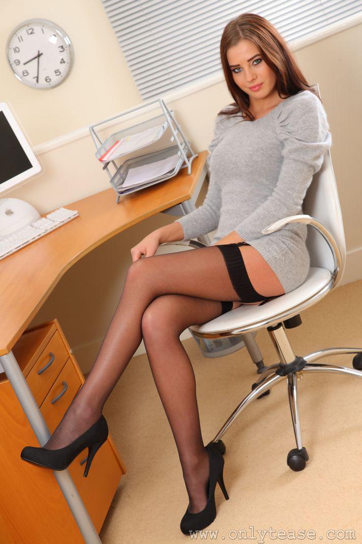 в молоденькая анал секретарша
