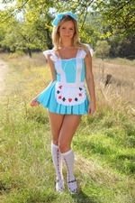 Elle Richie Will Be Many Peoples Queen Of Hearts In This Outfit With Knee Socks - Picture 1
