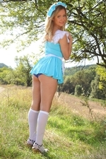 Elle Richie Will Be Many Peoples Queen Of Hearts In This Outfit With Knee Socks - Picture 3