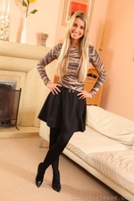 Stunning Blonde Hollie D In Black Shiny Tights - Picture 1