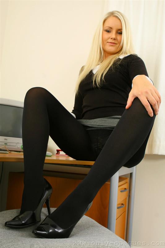 секретарши в колготках фото