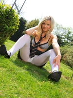 Beautiful College Girl Elle Richie Feels Too Hot And Slips Out Of Her Uniform - Picture 11