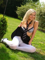 Beautiful College Girl Elle Richie Feels Too Hot And Slips Out Of Her Uniform - Picture 12