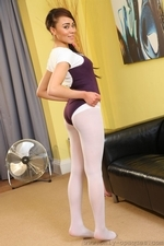 Dusky Beauty Alegra Thomas In Ballet Outfit And White Pantyhose - Picture 10