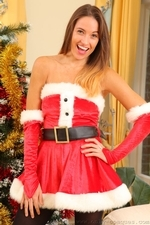Busty Sammie Pennington The Sexy Santa In Stockings - Picture 2
