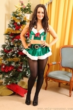 Brooke Ashleigh Looks Amazing Around The Xmas Tree In Opaque Tights - Picture 1