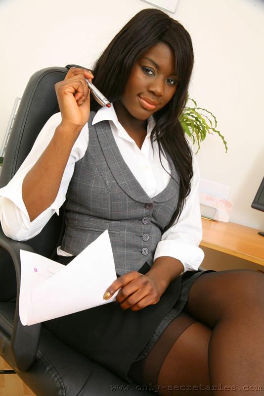 Nude hairstyle mature ebony secretary pics petite mini