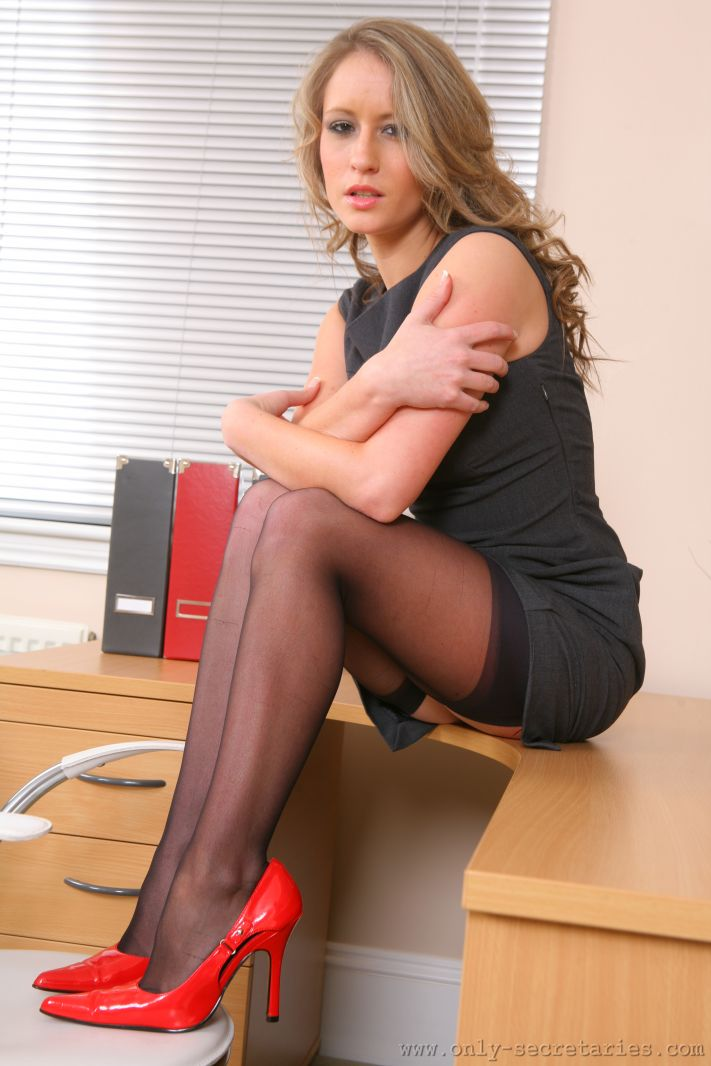 Accept. The Sexy babe secretary think