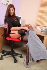 Beautiful secretary posing in the office | 6 November 2012