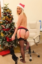 Amazing Blonde Erica Teasing In Stockings - Picture 14