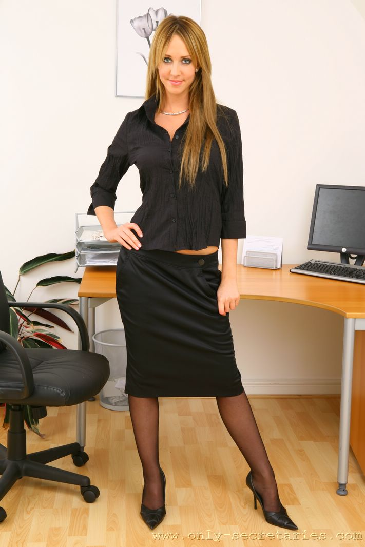 Naughty office secretary in glasses India Summer gets shafted hardcore  1852172