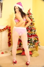 Jocelyn Kay In Christmas Leggings - Picture 11