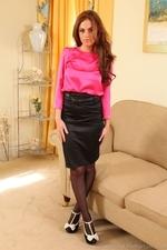 Kerri amazing busty secretary in black tights - 01